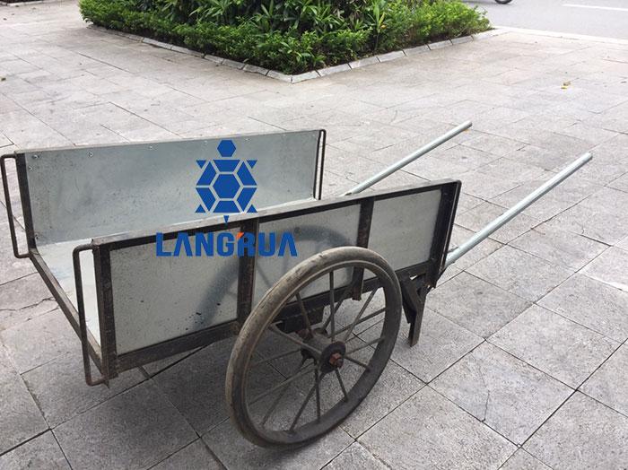 Xe Cải Tiến lốp cao su đặc được sản xuất tại Cơ Khí Làng Rùa
